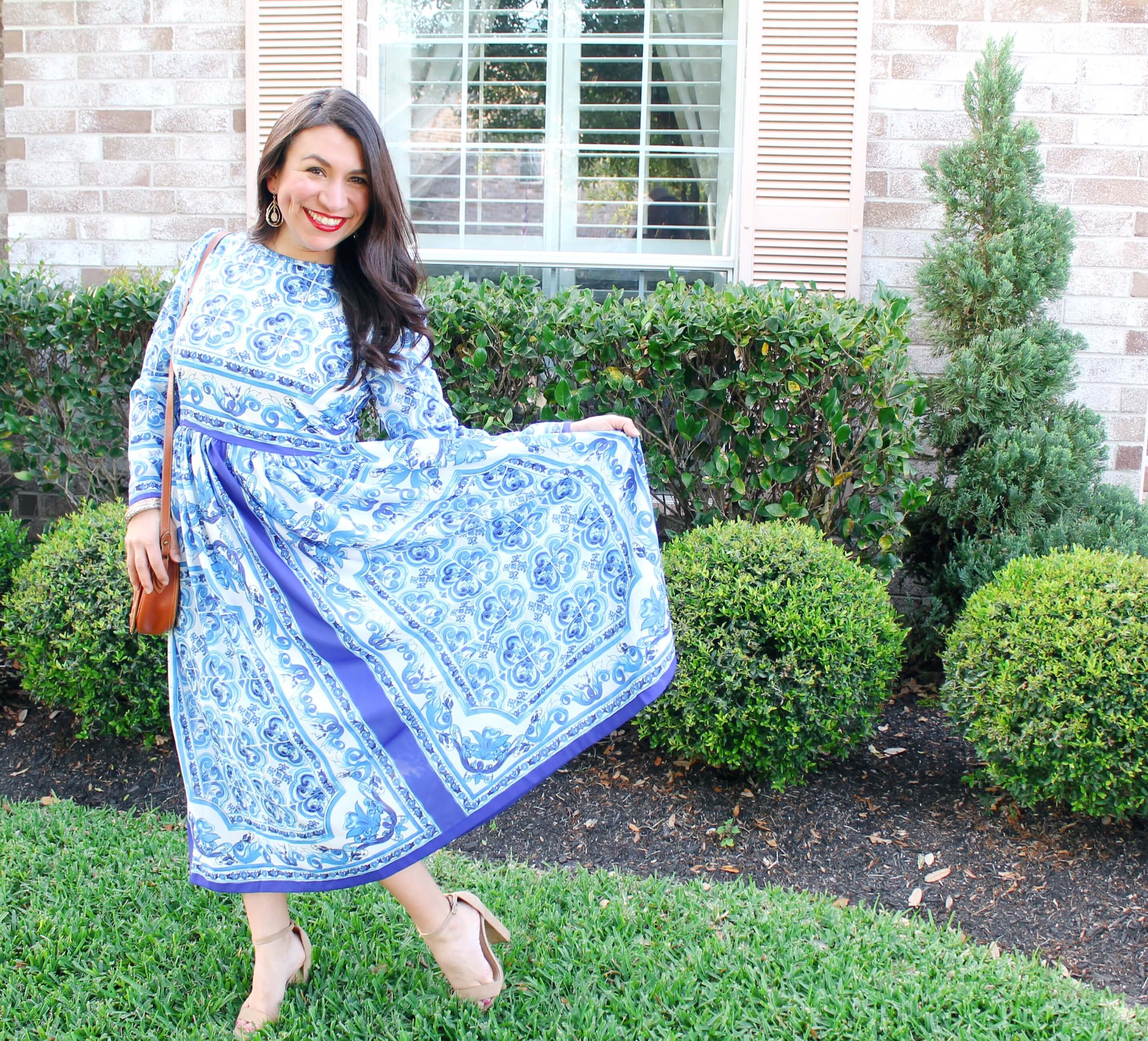 Blue and white maxi dress. Mom Style.