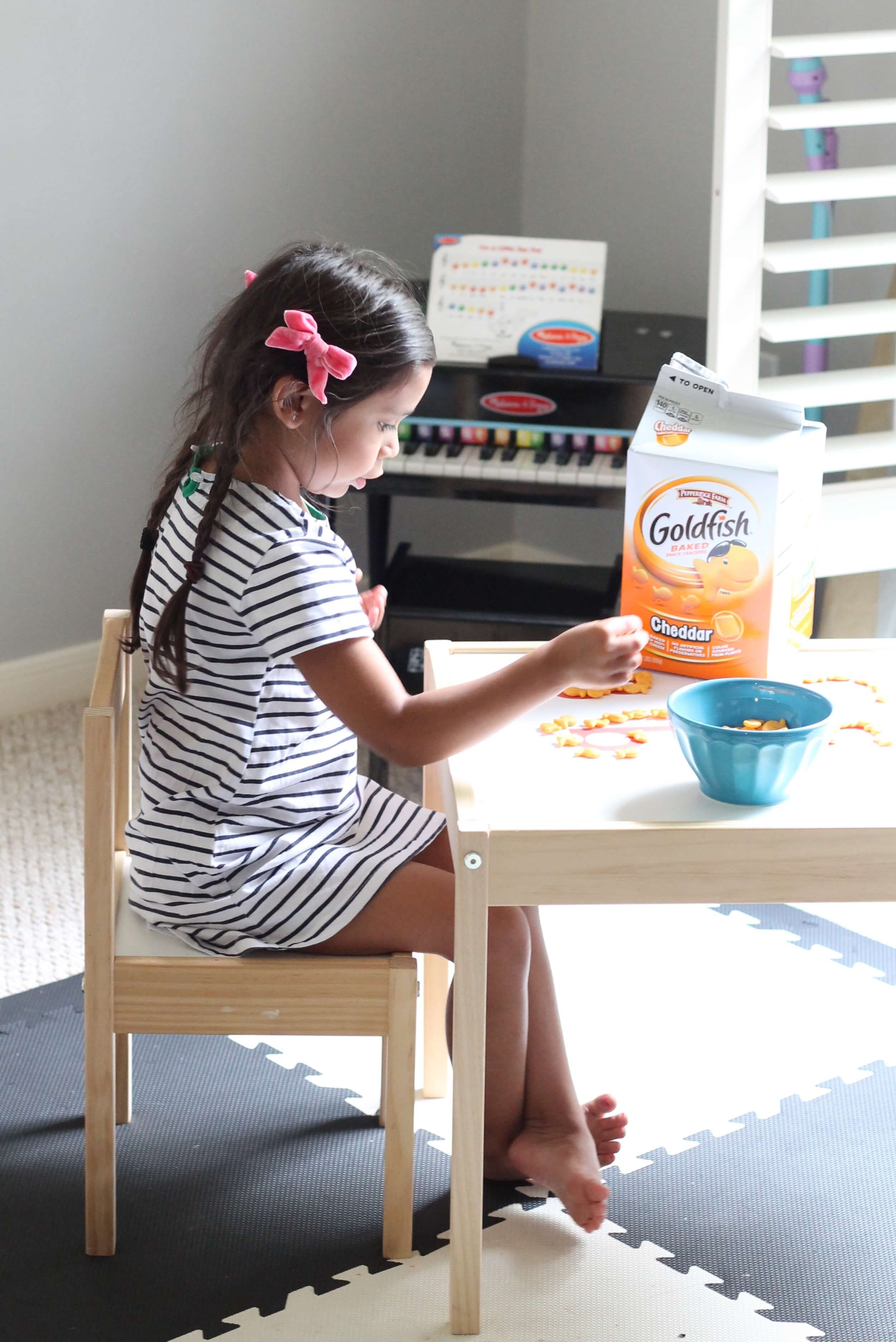 Preschool Goldfish activity. Letter recognition activity that your preschooler will eat up!